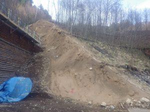 堰堤袖地山崩壊部 完了